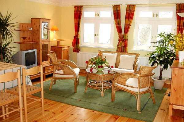 haus rosengarten die ferienwohnung ostseewelle in middelhagen auf der insel r gen. Black Bedroom Furniture Sets. Home Design Ideas